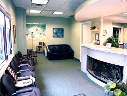 Photo Of Waiting Room At Dentist Office In North Olmsted - Sikora Family Dentistry